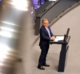 Georg Nüßlein, accused of bribery, speaks in the German parliament.