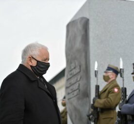 Leader of the Law and Justice (PiS) ruling party Jaroslaw Kaczynski lays wreath at the Monument to former Polish President Lech Kaczynski.