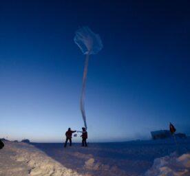 The Launching of an ozonesonde balloon